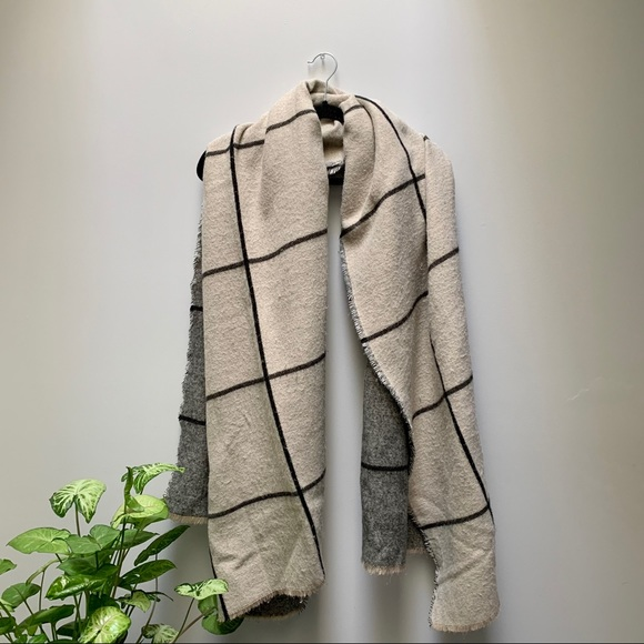 Zara Reversible Blanket Scarf